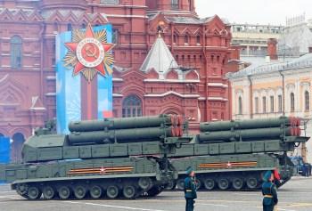De acordo com Moscou, norte-americanos excedem em 101 unidades o limite de lançadores e bombardeiros pesados previstos no tratado Start, renovado  em fevereiro
