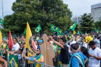 Jornalistas cobriam ato de apoiadores do presidente Bolsonaro quando sofreram agressões; entidades da sociedade civil repudiam ataque