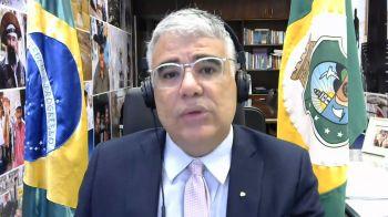 Senador Eduardo Girão (Podemos-CE) diz à CNN que não faltou dinheiro, enviado pelo governo, para estados e municípios enfrentarem a Covid, mas sobrou escândalo