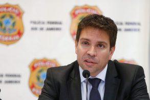 Analista de política, Fernando Molica comenta a decisão de Alexandre de Moraes de manter o veto a Alexandre Ramagem para diretor da PF