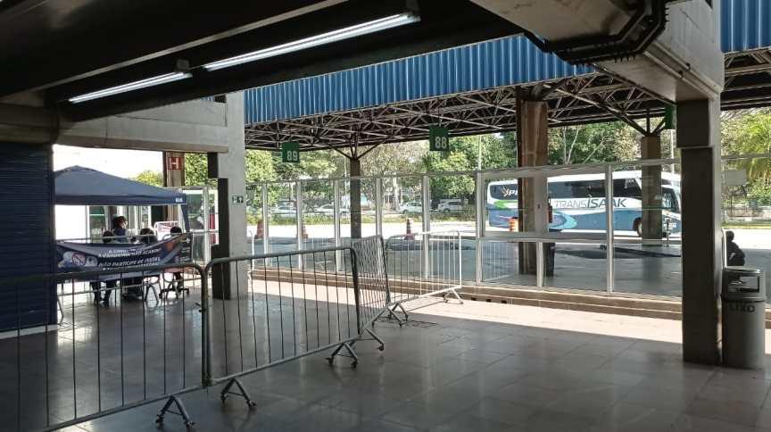 Barreira sanitária contra cepa indiana da Covid-19 no aeroporto de Congonhas, capital paulista