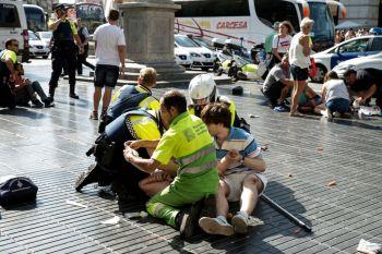Os ataques mataram 16 pessoas e feriram mais de 100 em diferentes partes da cidade