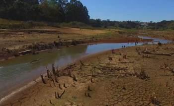 """À CNN, professora da USP e especialista em gestão da água diz que índices do Cantareira nunca chegaram a se recuperar e falta """"transparência"""" sobre o problema"""
