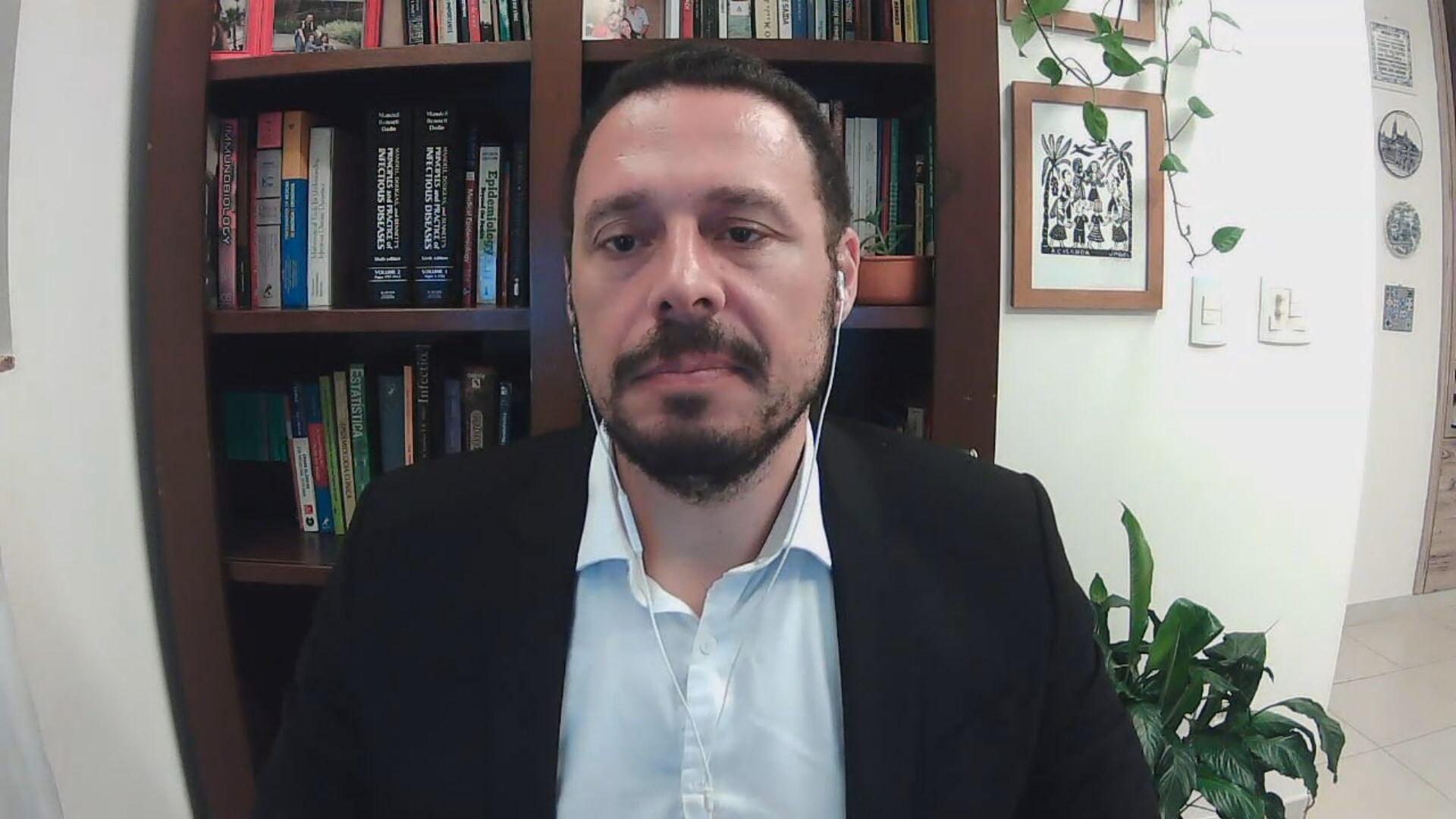 O pesquisador da Fiocruz Julio Croda em entrevista à CNN