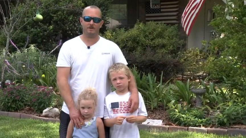 Garoto nada mais de dois quilômetros para pedir o resgate de sua irmã e seu pai que ficaram presos na correnteza de um rio na Flórida