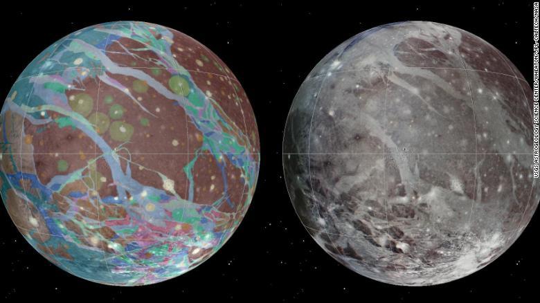 O mosaico (à esquerda) e os mapas geológicos de Ganimedes foram criados usando imagens das missões Voyager e Galileo, da Nasa