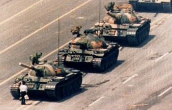 Imagem clássica tornou-se símbolo das manifestações na Praça Tiananmen, em 1989