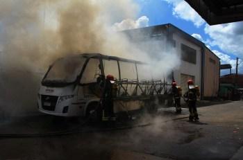 A pedido do governador Wilson Lima (PSC), reforço do efetivo será enviado pelo governo federal após incêndios a ônibus, viaturas e ambulâncias na cidade