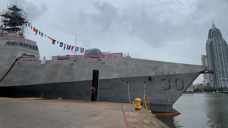 O navio USS Canberra foi assim batizado como homenagem à capital da Austrália