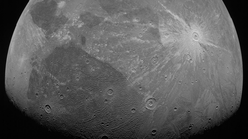 Imagem de Ganimedes capturada pela missão Juno, da Nasa, nesta segunda-feira (7)