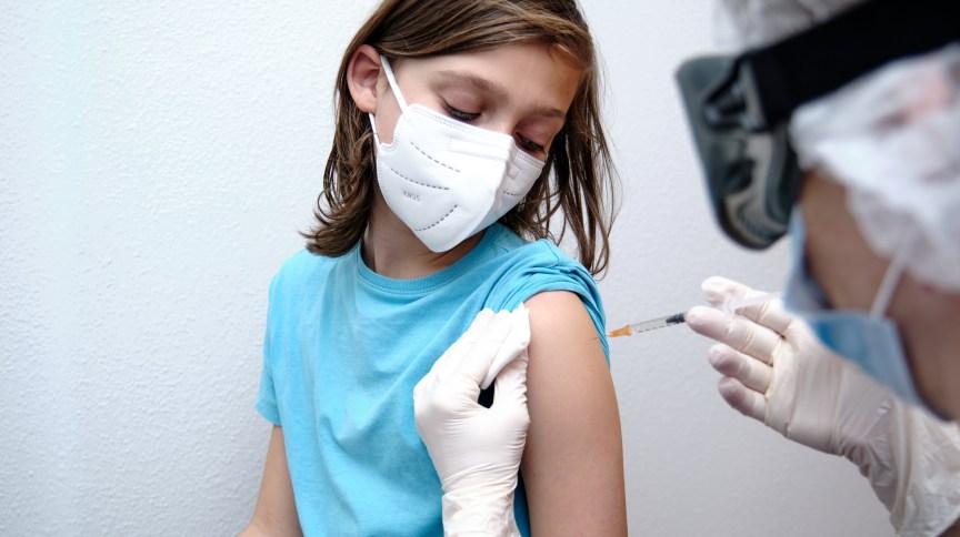 Diferentes países deram início à imunização de crianças e adolescentes contra a Covid-19