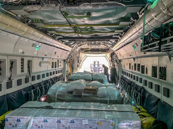 Equipamentos para profissionais da saúde chegam ao Amazonas por aviões da FAB (2.mai.2020)