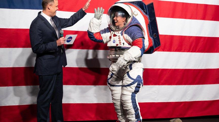 NASA apresentou protótipo do traje em 2019