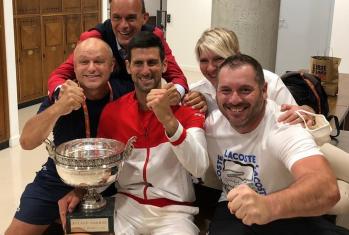 Com a vitória, o sérvio número um do mundo eleva seu total de títulos em torneios de Grand Slam para 19