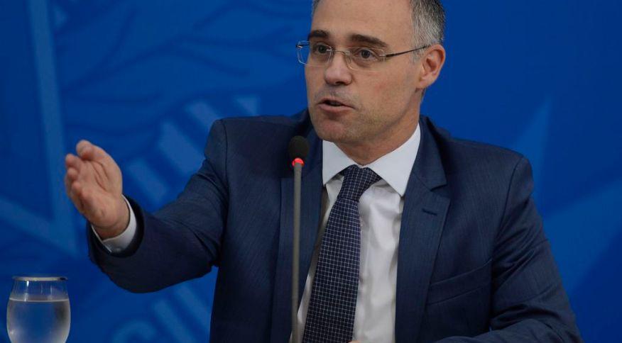 O ministro da Justiça e Segurança Pública, André Mendonça, tirou nomes ligados à Operação Lava Jato de cargos de direção da Polícia Federal