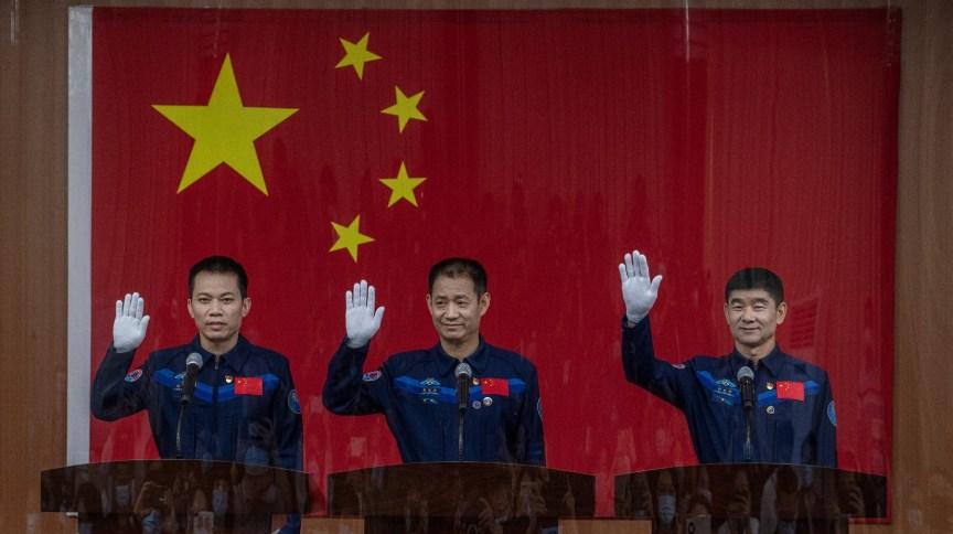 China enviará astronautas Tang Hongbo, Nie Haisheng e Liu Boming para sua estação espacial