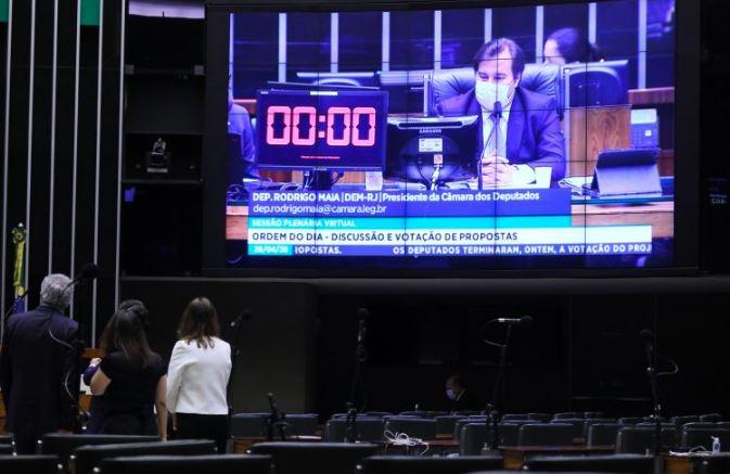 Rodrigo Maia em sessão da Câmara dos Deputados durante a crise do novo coronavírus