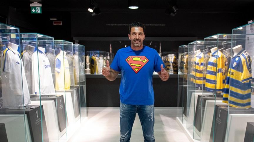 Parma anunciou volta do goleiro Gianluigi Buffon ao clube, após 20 anos
