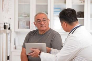 Pacientes com a doença tiveram quase 16 vezes mais risco de inflamação do músculo do cardíaco em comparação com não infectados, segundo estudo do CDC dos Estados Unidos