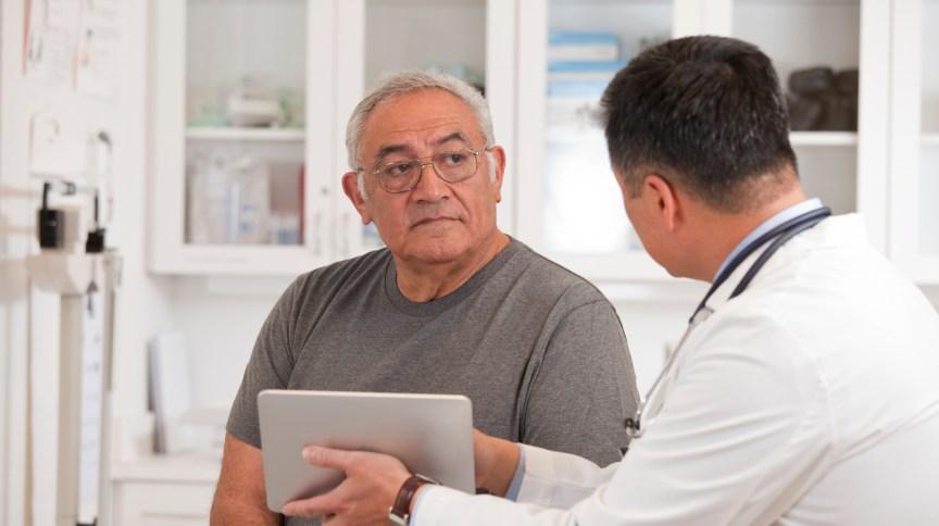 Pacientes mais velhos com Covid-19 têm mais risco de desenvolver miocardite