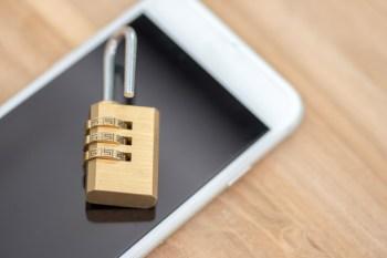 O pano de fundo para o pedido são os casos de quadrilhas que têm roubado aparelhos para acessar aplicativos de bancos