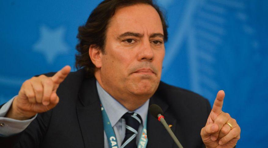 """O presidente da Caixa Econômica Federal, Pedro Guimarães: """"A Lei foi promulgada no dia 3 de abril, então temos cerca de mais duas semanas para o auxílio: o último dia é 2 de julho"""""""