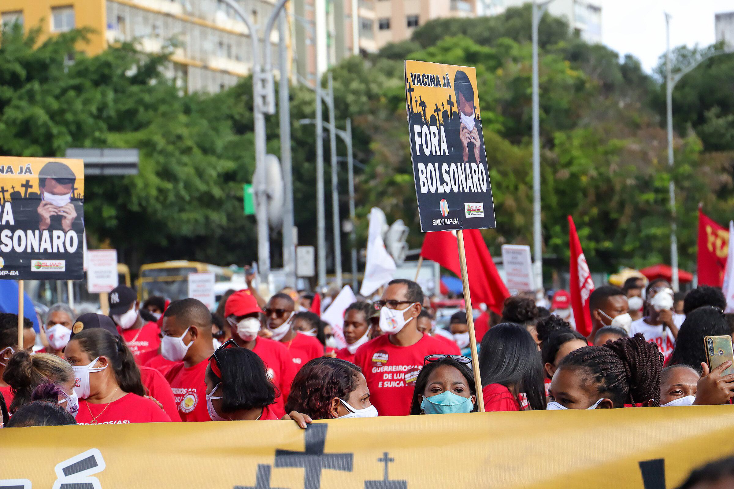 Protestos contra o governo do presidente Jair Bolsonaro em Salvador (BA), 19/06