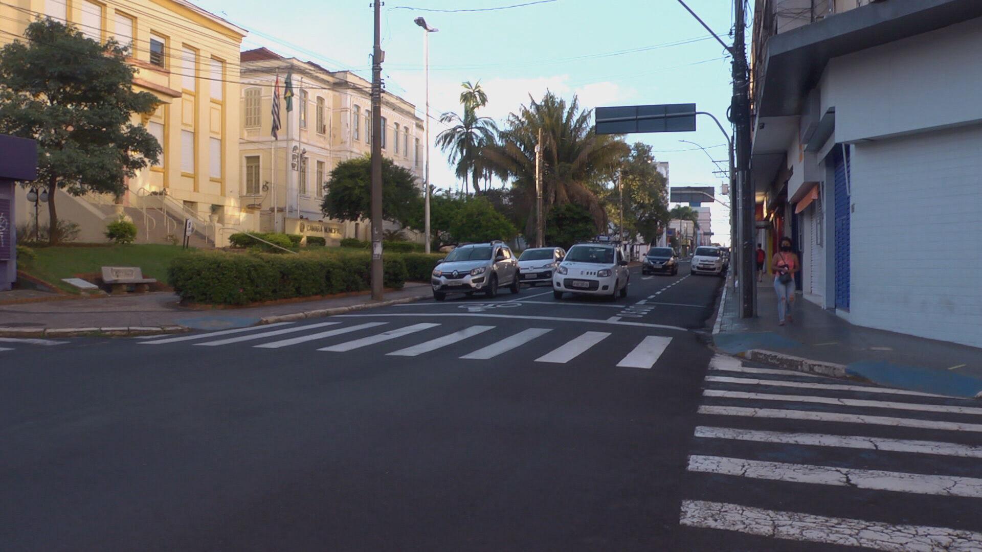 Ruas de cidades do interior de SP ficam vazias com restrições (19.Jun.2021)