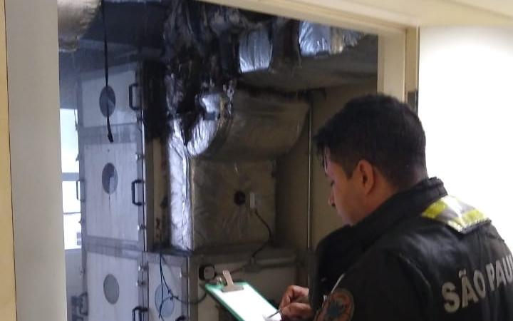 Bombeiros foram chamados após incêndio no ar-condicionado do Hospital Pérola Byington