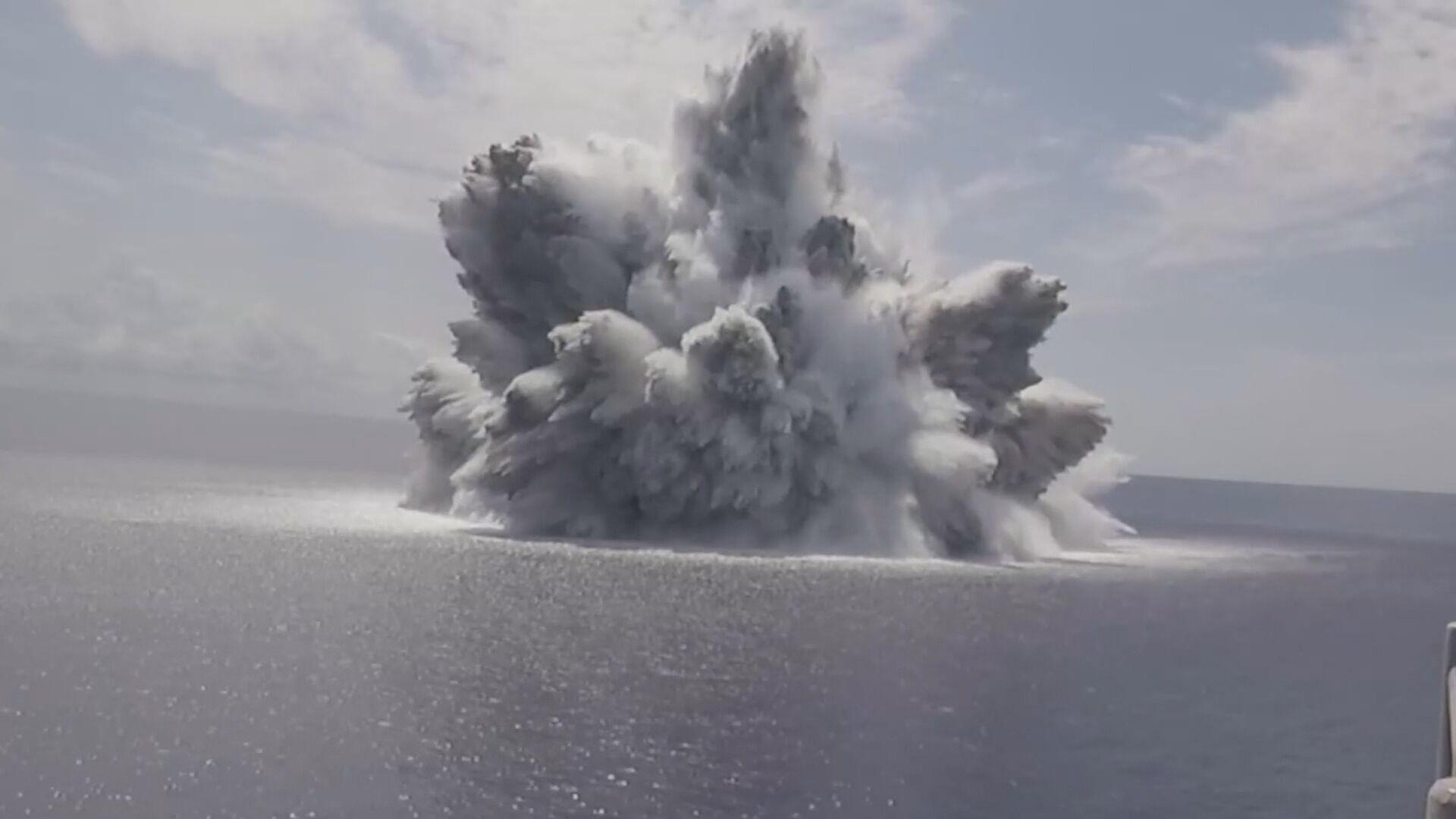 Marinha dos Estados Unidos fez teste para avaliar resistência de porta-aviões