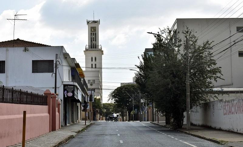 Lockdown para conter a pandemia de Covid-19 na cidade de Araraquara, em São Paulo