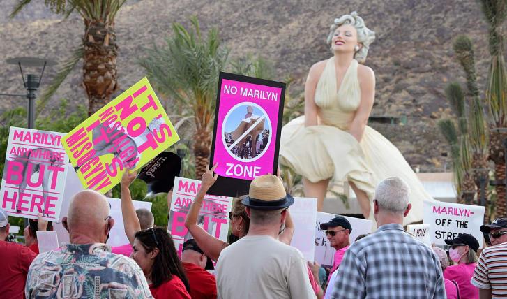 Protestos contra estátua de Marilyn Monroe