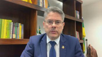 """À CNN, deputado Luis Miranda (DEM-DF) afirmou que levou a Bolsonaro """"provas contundentes"""" de irregularidades nas negociações para a compra da vacina Covaxin"""