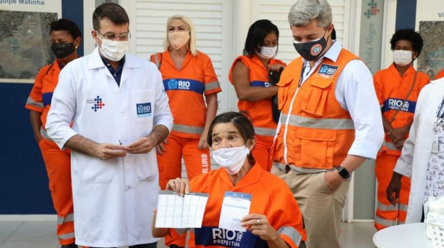 Prefeitura do Rio voltou a vacinar garis contra Covid-19