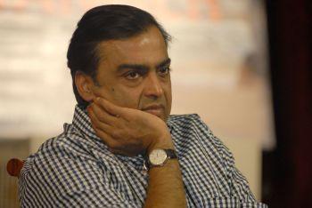 O objetivo é que Mukesh Ambani aumente a participação de seus patrocinadores no mercado de internet que mais cresce no mundo: a Índia