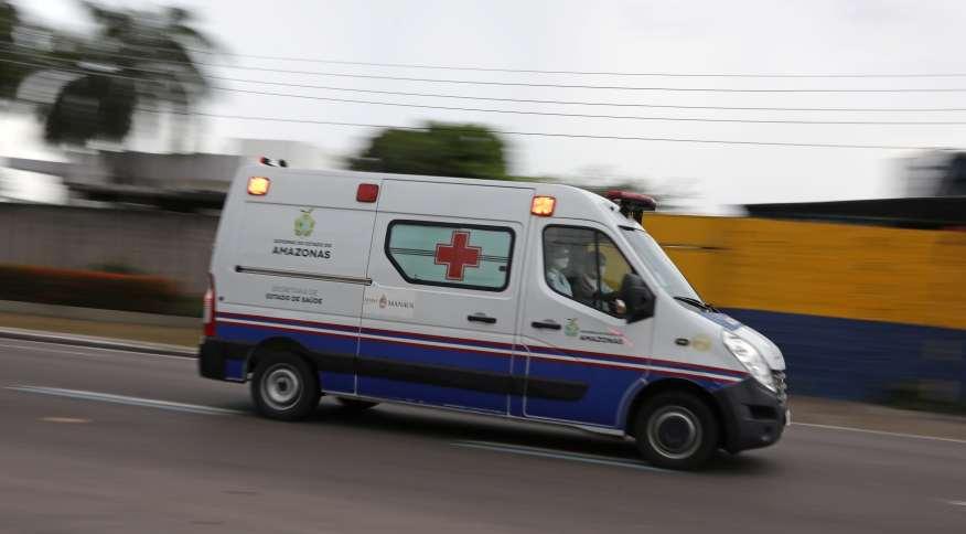 Ambulância em Manaus, capital do estado do Amazonas, 16 de abril de 2020.