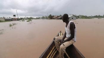 Mortes foram registradas em Ruanda, Somália e Quênia, o país mais afetado dos três; mais de 300 mil pessoas foram obrigadas a deixar suas casas
