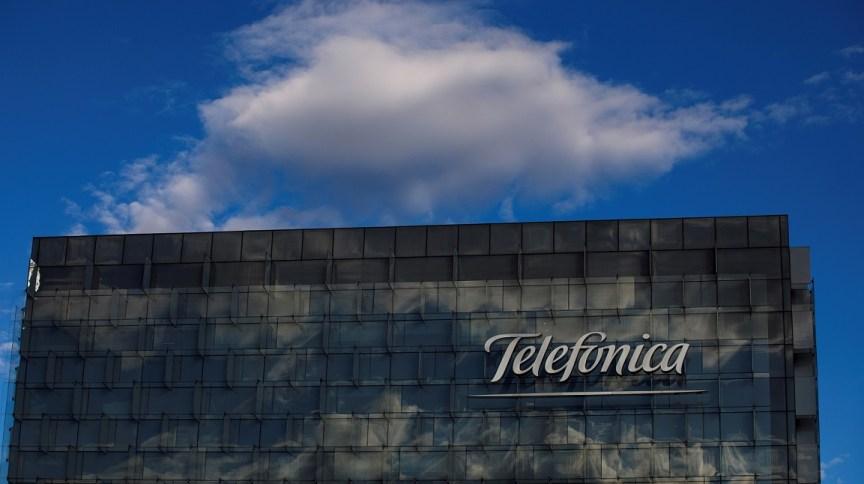 Prédio com logo da Telefônica