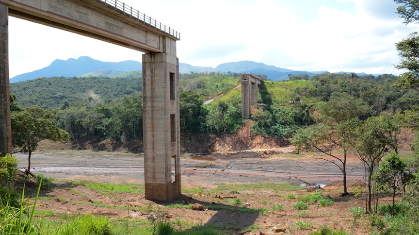 Rastros da destruição provocada pelo rompimento da barragem da Mina Córrego do Feijão, em Brumadinho (MG)