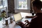 Exercícios de até 3 min ajudam quem trabalha muito tempo sentado, revela estudo
