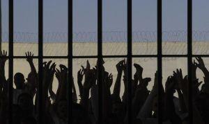 Defensoria do RJ diz que PMs são autores de 86% dos casos de violência a presos