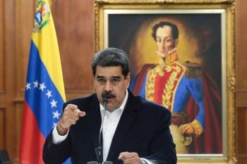 """Em discurso, Maduro chamou Trump de """"inimigo"""", mas pediu """"solidariedade"""" durante a doença. Venezuelano também comentou chegada ao país de lote da vacina russa"""