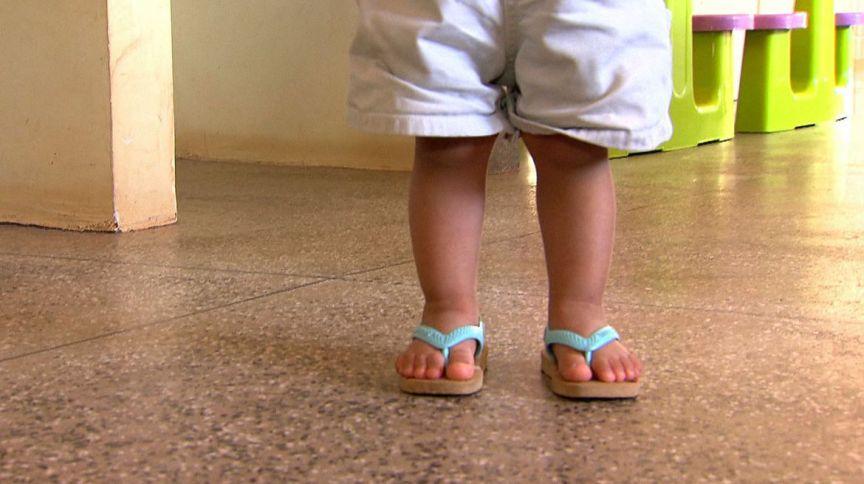 Entre 80% a 90% dos casos de violência contra crianças denunciados ocorrem dentro de casa