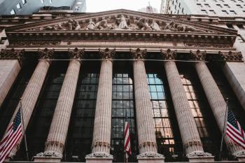 A estratégia de alguns investidores está sendo a compra de uma lista de ações de alto rendimento de dividendos na média das blue-chips