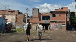 Pandemia tirou emprego de 54% dos moradores de favelas no Rio, diz pesquisa