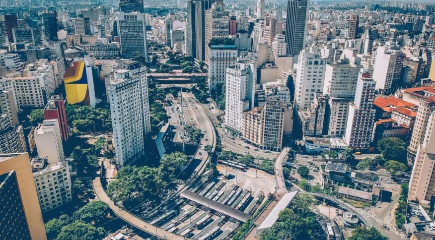 Vista panorâmica da cidade de São Paulo. Fundos imobiliários são apostas para longo prazo