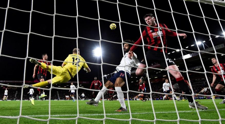 Partida entre Bournemouth e Liverpool, em dezembro de 2019; Premier League deve retomar partidas em junho