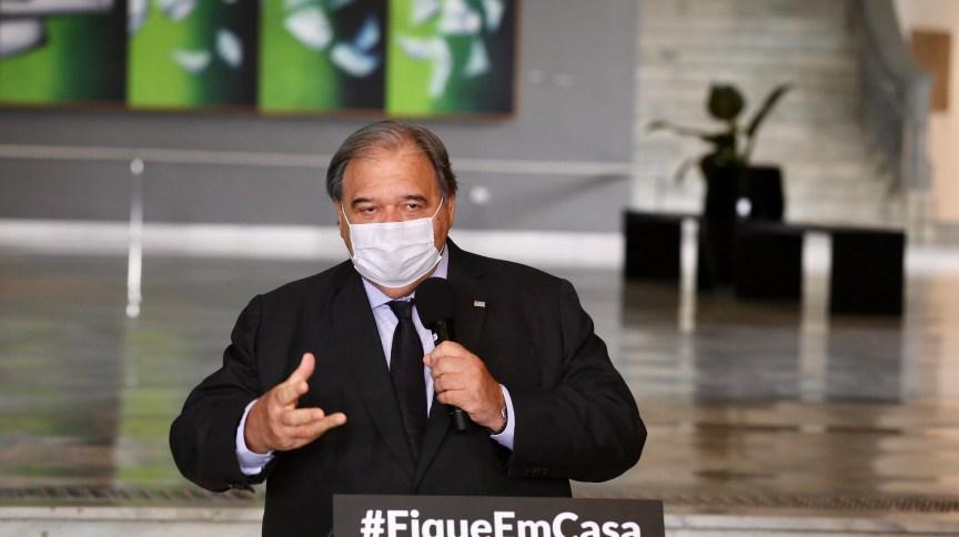 Secretário Estadual de Saúde, José Henrique Germann, durante a coletiva de imprensa sobre o novo coronavírus.