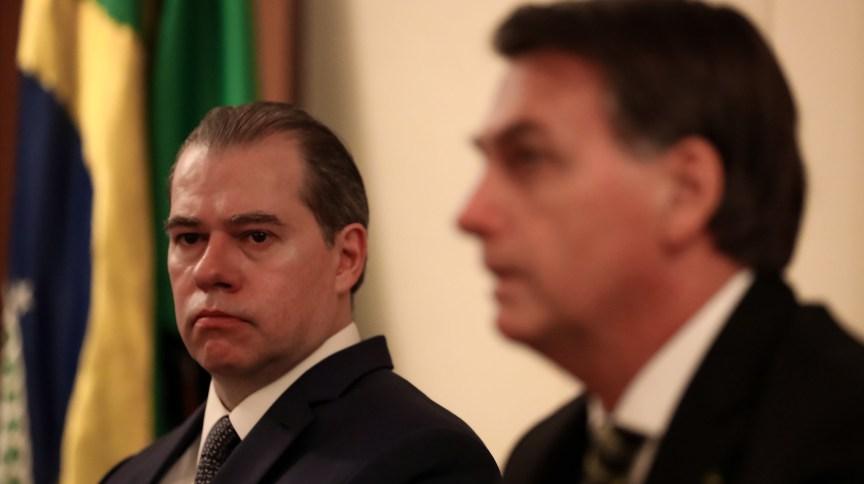 O presidente do STF Dias Toffoli ao lado do presidente da República Jair Bolsonaro