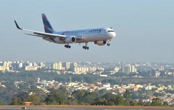 Após essas inclusões, a Latam deveultrapassar a média de 250 voos diários no Brasil e totalizar 91 rotas, em corrida para recuperar o fôlego de 2019